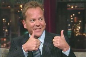 kiefer_sutherland_thumbs_up